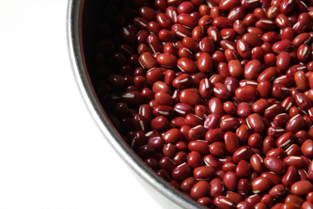 北海道産の小豆と福岡産の小麦粉